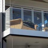 발코니 유리제 방책 측 마운트 U 채널 단면도 난간 디자인