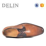 2018 Venta caliente formal Mens zapatos con suela de goma