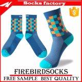 Venda por grosso colorida andar de meias meias Private Label personalizada