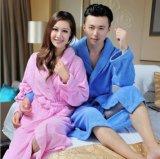 昇進の100%年の綿のテリーのホテルまたはホーム平野によって染められる浴衣かパジャマまたはNightwear