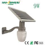 Lumière solaire extérieure de jardin avec la lampe d'Apple pour le réverbère