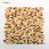 Azulejo de suelo gris coloreado de mosaico del diseño moderno para el cuarto de baño
