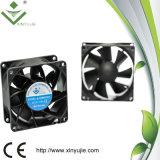 Ventilateur de refroidissement industriel 80X80X38mm Cfm 12V de ventilateur sans frottoir élevé de C.C de Xj8038h