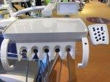 Nouveau fauteuil dentaire avec haut-scaler et cure de lumière à LED