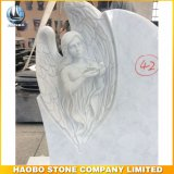 Nad monumento de mármol blanco con Angel lápida tallada