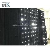 結婚式の背景幕の装飾のための光るLgihts RGB LEDの星のカーテン