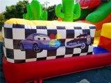販売の屋外の膨脹可能なおもちゃのスライドのためのカーレースの印刷の膨脹可能な乾燥したスライド