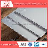 Revêtement en poudre insonorisées Isolation thermique en aluminium Panneaux d'Honeycomb pour revêtement de toit plafond soffites//