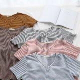 Les fils des tissus teints T-shirt pour femme avec col V