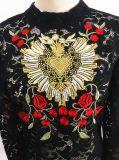 Form-Kleid-lange Hülsen-Spitze-Hemd-Stickerei-Kleidung
