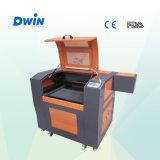 Carimbo de borracha Mini Gravura máquina a laser de CO2 de Corte (DW6040)