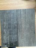 5mm灰色カラーPVCビニールの床の緩い層のRubbetの0.7の裏付け