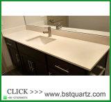 Dessus blanc de vanité de pierre de quartz d'érable