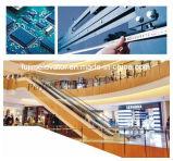 Scala mobile dell'interno del passeggero di Fujim per il centro commerciale