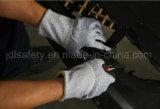 Отрежьте перчатку работы безопасности при белый покрынный PU (PD8025)