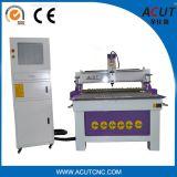 1300 * 2500mm CNC Machine à bois / Machine de découpe à rouleaux CNC avec roue à pression