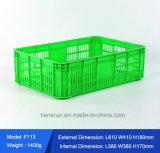 Gabbia di plastica scaricata per la verdura e la frutta