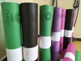 De Mat van de yoga met de Zak van de Mat van de Yoga van de professionele Fabrikant van de Mat van de Yoga
