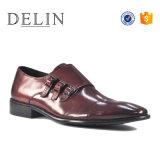 Delingは高品質の人の革履物の人の靴に蹄鉄を打つ