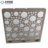 Panneau perforé en aluminium de grand dos décoratif/trou rond pour le revêtement de mur de façade