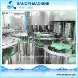 Máquina de rellenar en botella del agua pura
