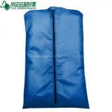 Les sacs de vêtement personnalisés de polyester de la couverture 210d de procès Zippered le sac de poussière