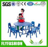 이용된 종묘장 가구 고정되는 아이들 연구 결과 테이블 및 의자