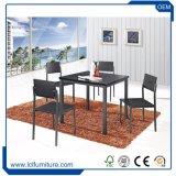 Para todos os climas Mobiliário de exterior Definir a tabela de madeira e 4 cadeiras mesa de jantar cadeiras ajustada