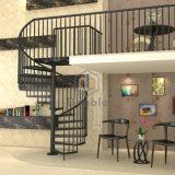 Al aire libre de interior de la escalera espiral de la escalera del metal que cerca con barandilla