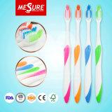 Yangzhou-Großhandelserwachsen-weichborstige orale saubere Zahnbürste