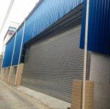 O rolo de aço galvanizado industrial motorizado Shuter das portas de dobradura rola acima a porta da garagem