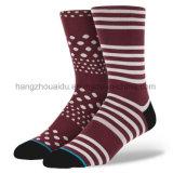 Нечетные ретро 200n Паттен вязание одежды мужчин Sock