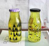 Soem-Molkereimehrfachverwendbare Glasmilchflaschen mit Strohen und Metallschraube an den Kappen