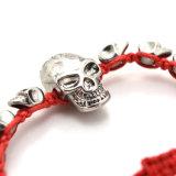 Schwarzes rotes Seilknit-Antike-Silber überzogenes Schädel-justierbares Armband