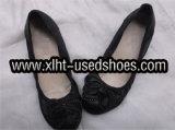 Las mujeres utilizan zapatos casual