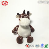 Animal de fantaisie se reposant de giraffe de cadeau de peluche avec le jouet mignon de bande