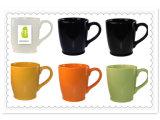 Taza de café de cerámica colorida del gres de la