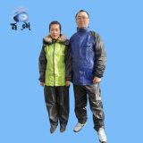 Umweltfreundliches haltbares Polyester Rainsuit für Erwachsenen