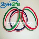 Il formato standard ha suddiviso il braccialetto colorato del silicone per il regalo