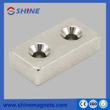 Strong sinterizada N45 rectangular com magneto de neodímio dois embutidos
