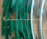電流を通された単一のコイル状かみそりの有刺鉄線