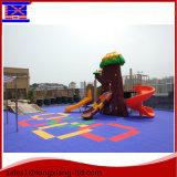 Le jardin d'enfants bon marché folâtre le plancher/parqueter de verrouillage de sports suspendu par plastique piscine de terrain de basket/