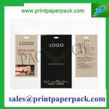 En relieve logotipo de mano de papel etiqueta de papel impresa una etiqueta colgante