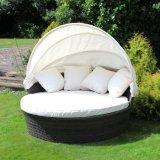 Il rattan esterno Sunbed del PE della mobilia del giardino del raggruppamento della spiaggia smonta il Daybed