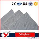 La decoración de interiores de la superficie de PVC de azulejos de techo