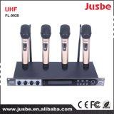 De UHF LCD van 4 Manier Vocale Microfoon van Supercardioid van het Systeem van de Conferentie van de vertoning Draadloze