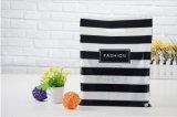 La plastica calda della maglia dell'HDPE 2017 tratta il sacchetto del regalo di acquisto