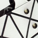 8X8 de Zilveren Pu Geometrische Ruitvormige Handtas van de grootte (A042)