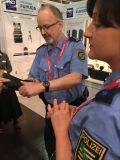 Fuyuda Luvas táticas militares Aplicação da lei policial Capturar luvas Taser Luvas anti-motim Luva de stun com corrente de baixa tensão