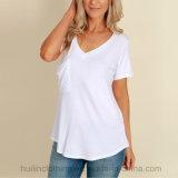 온라인 상점 중국은 V 목 포켓 백색 t-셔츠 여자를 입는다
